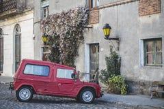 Stary samochód w wiosce obrazy royalty free