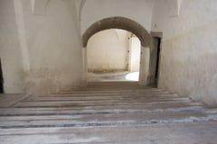 Stary schody below jest drzwiowy Zdjęcia Royalty Free