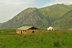 Stary sheepfold w górach zdjęcie royalty free