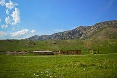 Stary sheepfold w górach obrazy royalty free