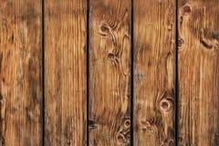 Stary Sosnowego drewna desek ogrodzenie Z kępkami - szczegół Zdjęcia Royalty Free