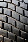 Stary stąpanie wzór dla pojazdu Samochodowego koła abrazja zmniejsza bezpieczeństwo z bliska obraz stock