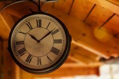 Stary stacja kolejowa zegar zdjęcie royalty free