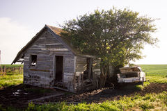 Stary Stary Zaniechany dom w kraju zdjęcie stock