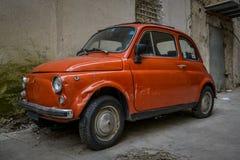 Stary starzejący się Fiat 500 Obrazy Royalty Free