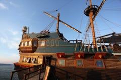Stary statek na porcie morskim Obrazy Royalty Free