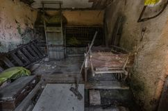 stary storeroom z frachtem obraz stock