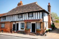 Stary styl obramiający Tudor łupkowego dachu anglików dom Fotografia Royalty Free
