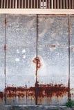 Stary szczegółowy starzejący się rocznika ośniedziały czerwony brąz textured cynkowego aliażu metalu prześcieradła powierzchownoś fotografia royalty free