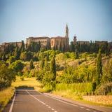 Stary Toskański miasteczko na wzgórzach, Włochy Obraz Royalty Free