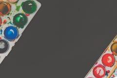 Stary używać akwareli farby pudełka wierzchołka puszka widok Zdjęcie Stock