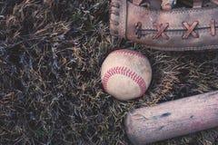 Stary U?ywa? baseballa wyposa?enie zdjęcie stock