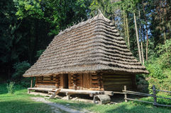 Stary Ukraiński autentyczny drewniany dom Obrazy Stock