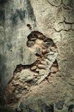 Stary uszkadzający beton będący ubranym ścienny tło Pęknięcia i szczelina Obraz Stock