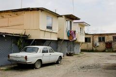 Stary Volga samochód w ulicie Zdjęcie Royalty Free