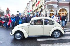 Stary Volkswagen Beetle na paradzie zdjęcie royalty free