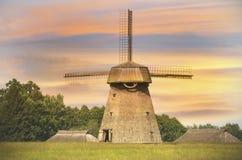 Stary wiatraczek w wieczór, Lithuania obrazy royalty free