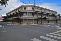 Stary wielki budynek w Noumea, kapitał Nowy Caledonia Zdjęcia Royalty Free