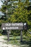 Stary wierny gejzeru znak - Yellowstone park narodowy Zdjęcie Stock