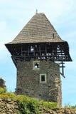 Stary wierza gnicia marnienie z swój dachem spada oddzielnie zdjęcie royalty free