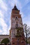 Stary wierza Z Eleganckim Dużym zegarem Urząd Miasta W centrum miasta Krakow, Polska poprzedni Obrazy Royalty Free