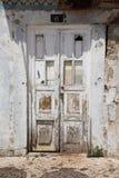 Stary wietrzejący drzwi zdjęcie stock