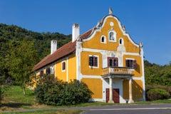 Stary wino loch, budujący w 1780, blisko jeziornego Balaton Hungar od Zdjęcie Stock