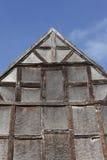 Stary wzgardzony drewniany dom zdjęcie royalty free