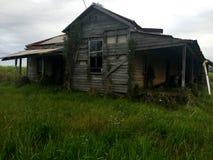 Stary Wzgardzony Nawiedzający dom Zdjęcie Royalty Free