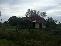 Stary Wzgardzony Nawiedzający dom Fotografia Royalty Free