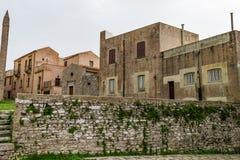 Stary zamieszkany średniowieczny miasteczko w Europa, Sicily, Erice obrazy stock