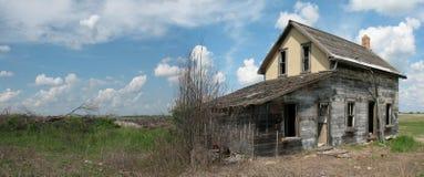 Stary zaniechany dom Obraz Royalty Free