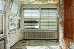 Stary zaniechany dom Zdjęcie Stock