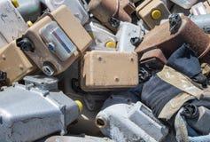 Stary zaniechany gaz sprzeciwia się w jałowym wysypisku Fotografia Stock