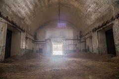 Stary Zaniechany ośniedziały porzucony sowiecki bunkier Zaniechany dodatku specjalnego magazyn głowicy bojowa dla jądrowych pocis Obraz Royalty Free