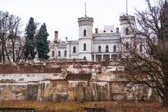Stary zaniechany Sharovsky pałac w Kharkov regionie, Ukraina zdjęcia royalty free