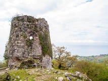 Stary zegarka wierza w górach Fotografia Royalty Free