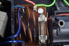 Stary zintegrowany - obwody w analogowym radiowym odbiorcy Oporniki, zdjęcia stock