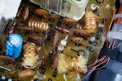 Stary zintegrowany - obwody w analogowym radiowym odbiorcy Oporniki, fotografia royalty free