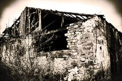 Stary zniszczony budynek obrazy royalty free