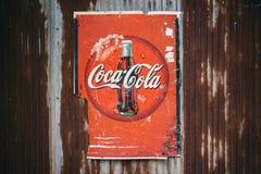 Stary zrudziały warunku rocznik koka-kola logo Zdjęcie Stock