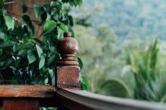Starych balkonów balkonowy poręcz w hotelowym Asia Blemished farba Fotografia Royalty Free