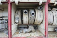 Starych samochodów strażackich węża elastycznego czerwona rolka Zdjęcie Royalty Free