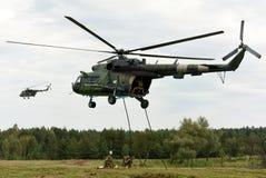 Starytchi, Ucrânia - 6 de setembro de 2018 Exercícios militares com fotos de stock