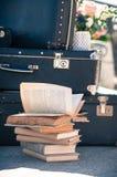 Starzeć się książki w stosie fotografia royalty free