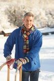 starzejąca się krajobrazowego mężczyzna środkowa śnieżna pozycja Obrazy Stock