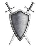 Starzejąca się metalu rycerza osłona z dwa krzyżował kordziki odizolowywających na bielu Zdjęcie Stock