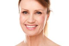 starzejąca się piękna środkowa kobieta Zdjęcia Royalty Free