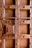 Starzejący się średniowieczny drewniany drzwiowego kędziorka keyhole Zdjęcie Royalty Free