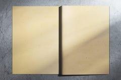 Starzejący się hardcover notatnik Zdjęcia Stock